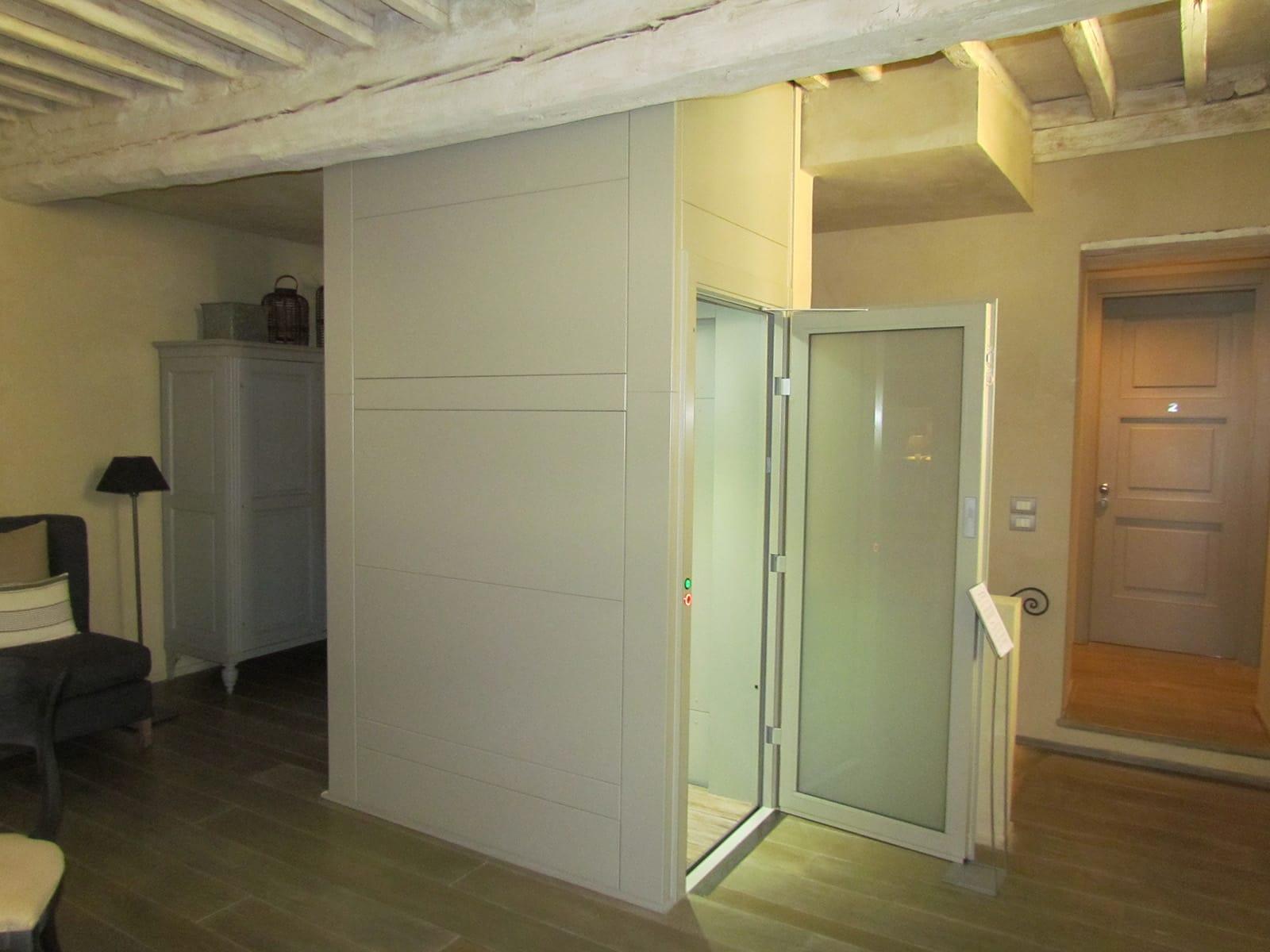 Piattaforme elevatrici minilift e mini ascensori a for Montacarichi usati